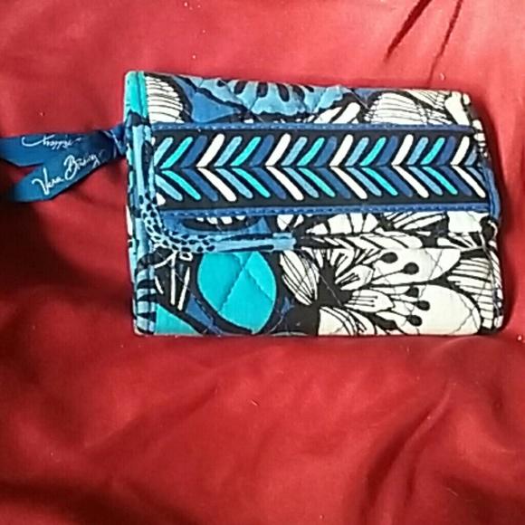 Vera Bradley Handbags - BRAND NEW VERA BRADLEY TRIFOLD WALLET